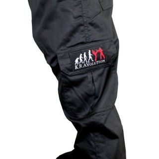 Krav Maga Cargo Hosen für Outdoor Training mit KRAVolution Logo